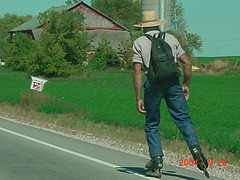 Amish-rollerblader